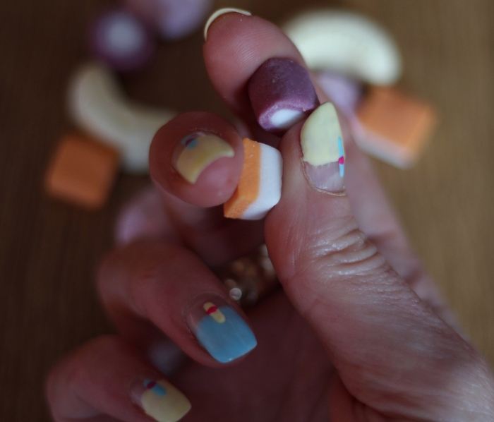 living-in-a-boxx-bright-pastel-colour-nail-art-tutorial
