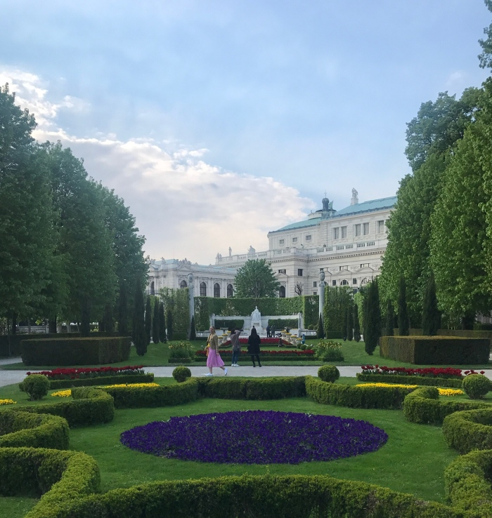 living-in-a-boxx-Vienna-Bratislava-travel-guide