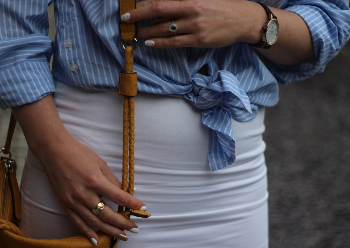 living-in-a-boxx-white-pencil-skirt-blue-white-striped-shirt
